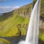 Massive waterfall wallpaper