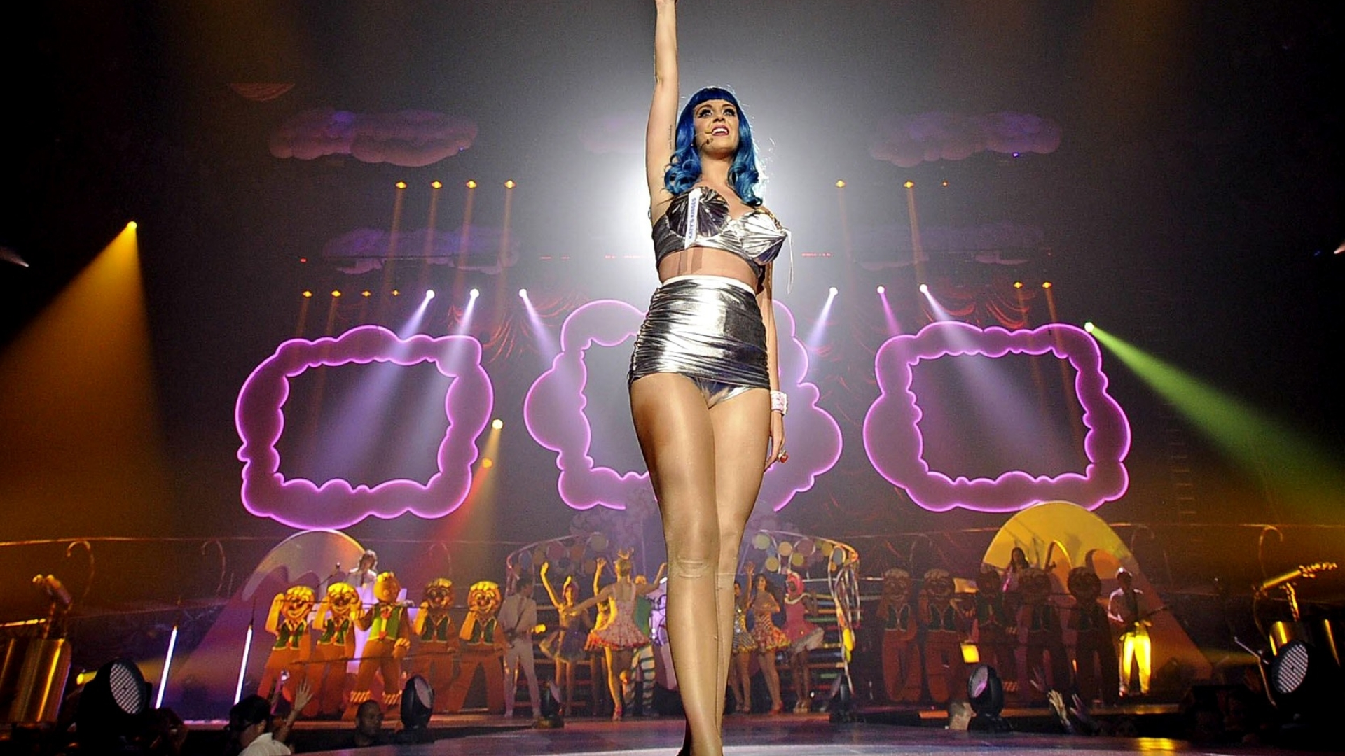 Katy Perry on stage wallpaper