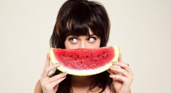 Katy Perry fruity wallpaper