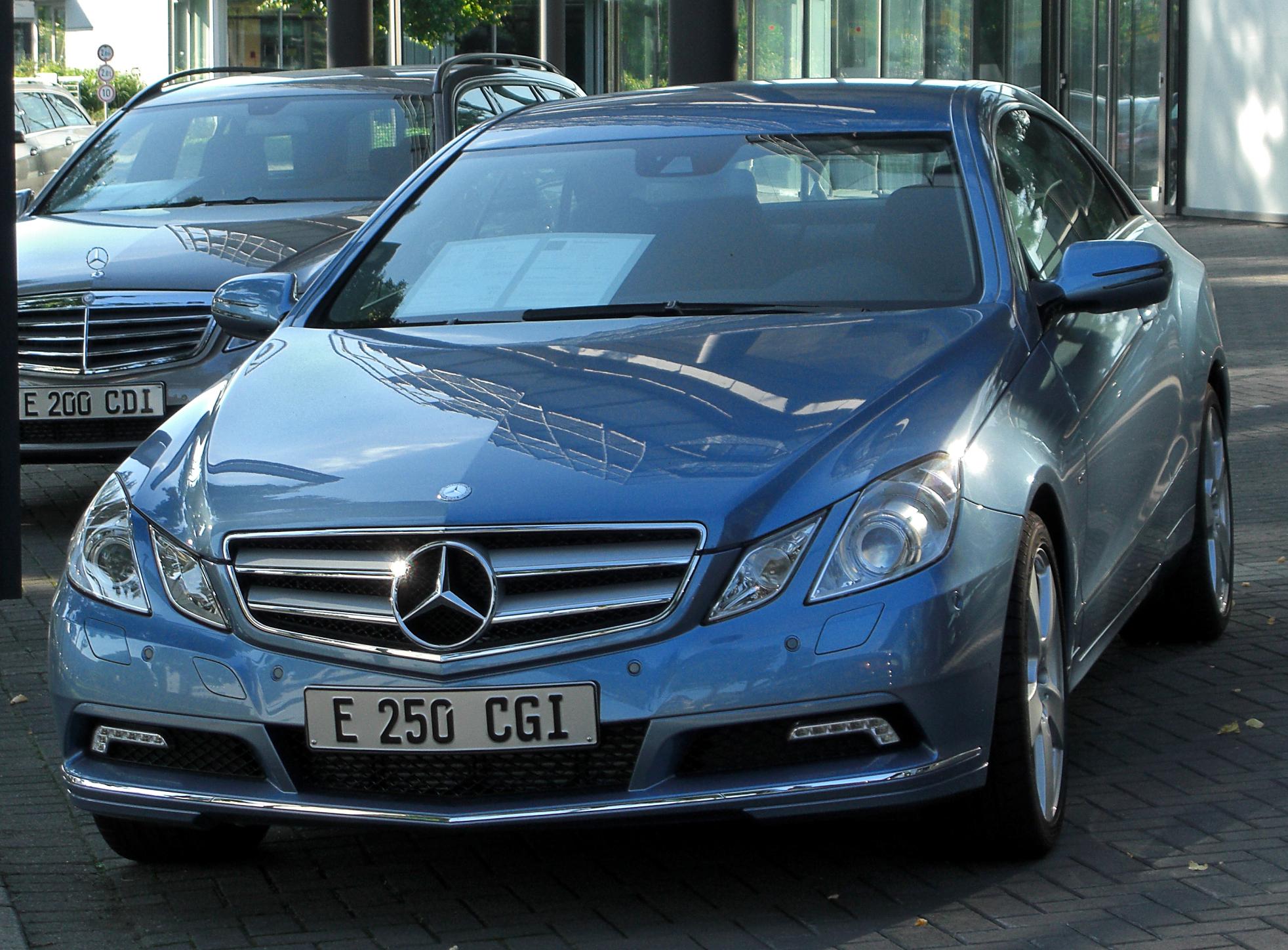 Mercedes-Benz E 250 CGI HD Wallpaper