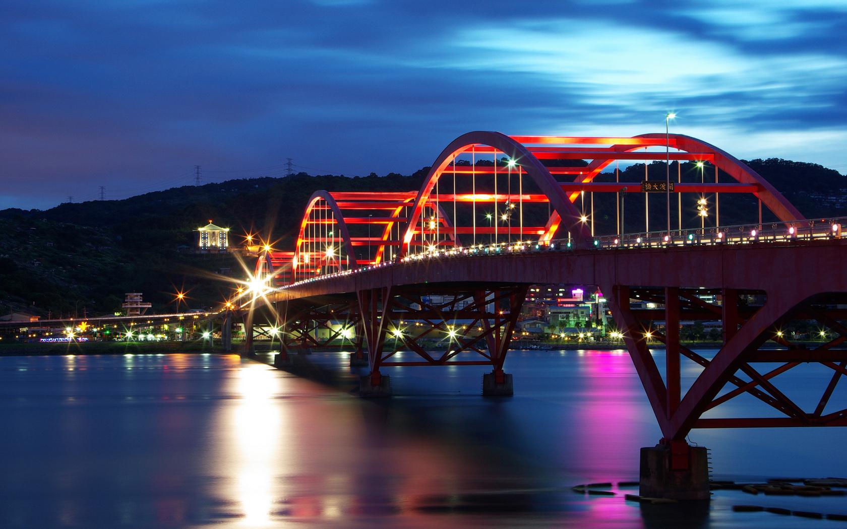 Oriental Bridge