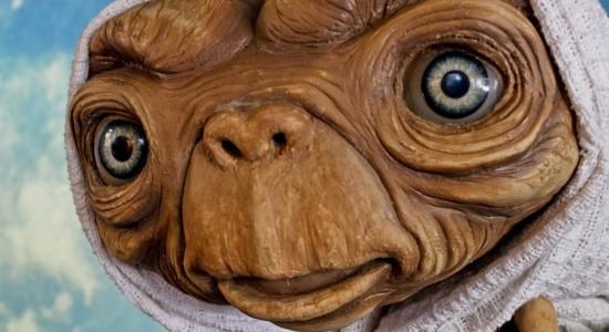 E.T Desktop Wallpaper