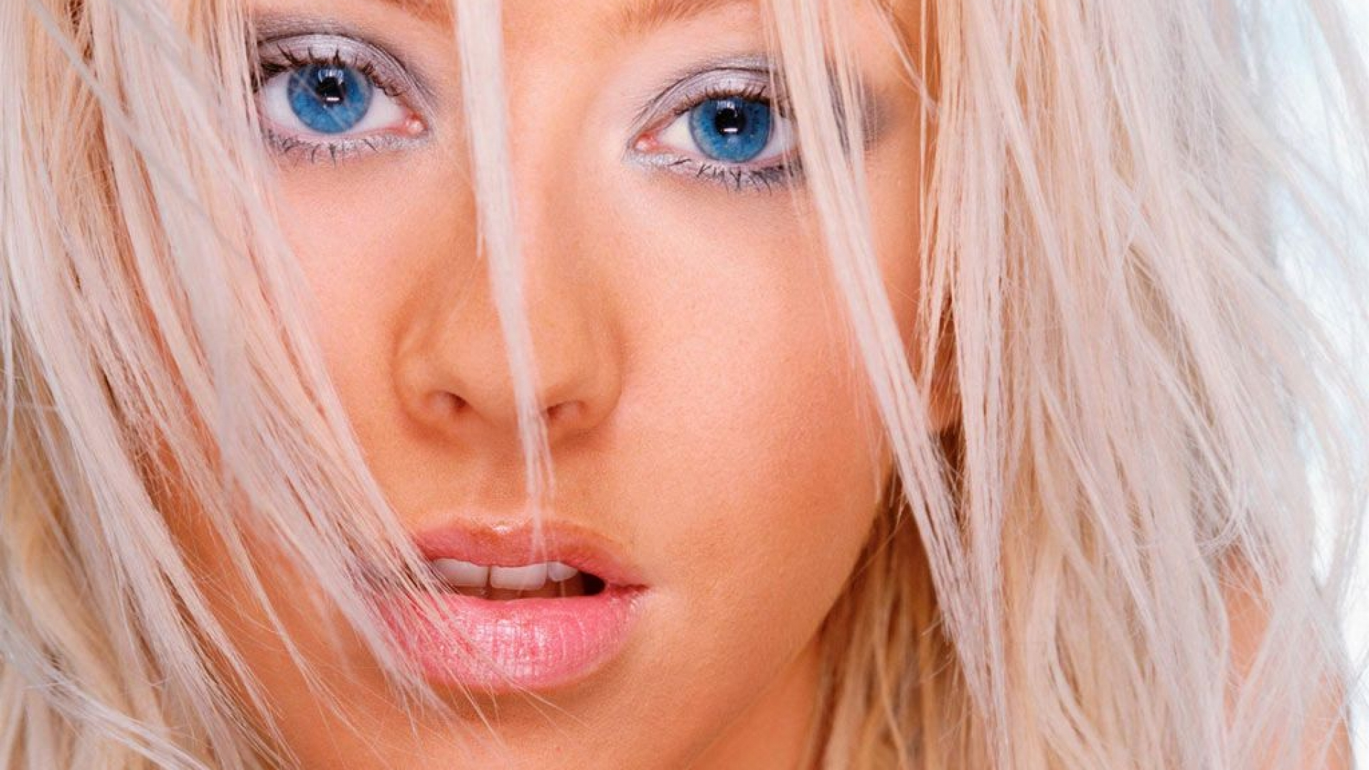 Christina Aguilera Face Wallpaper