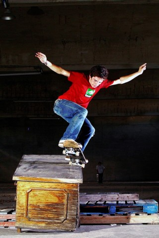 skate wallpaper iphone skateboard grind wallpaper hd wallpapers 12982