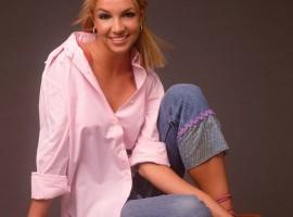 Britney Spears shirt wallpaper