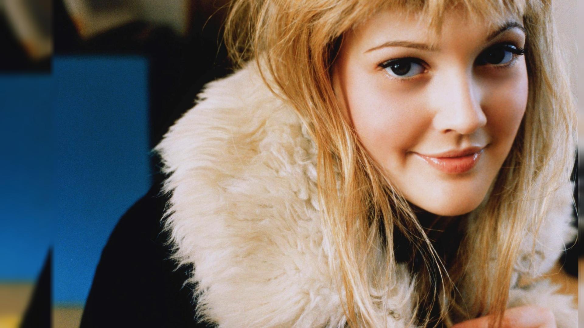 Cute Drew Barrymore HD Wallpaper