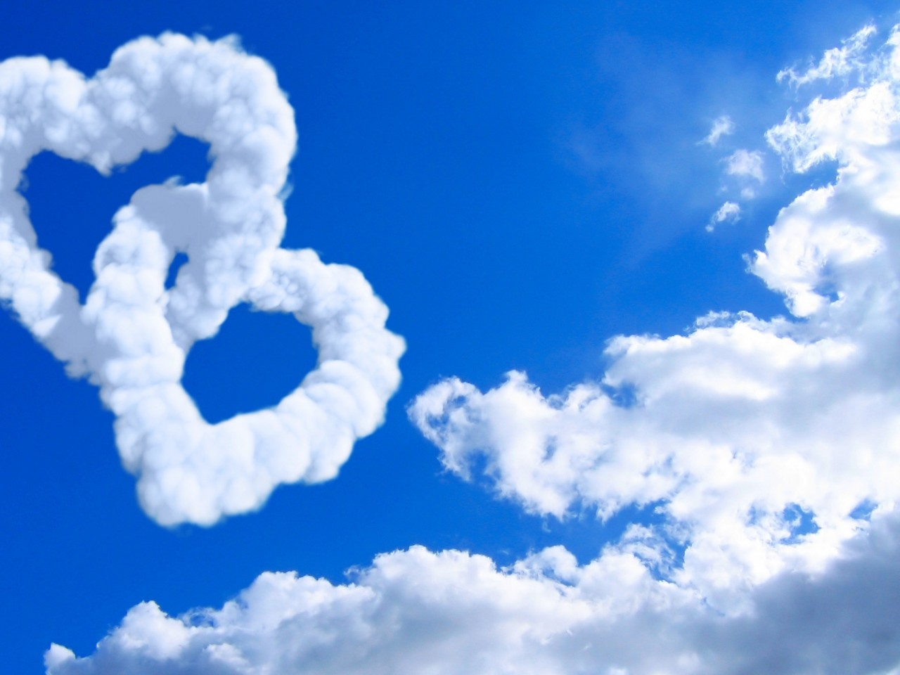 High Resolution Wallpaper Download Two Hearts In The Sky