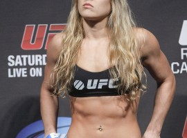 Tough Ronda Rousey HD Wallpaper