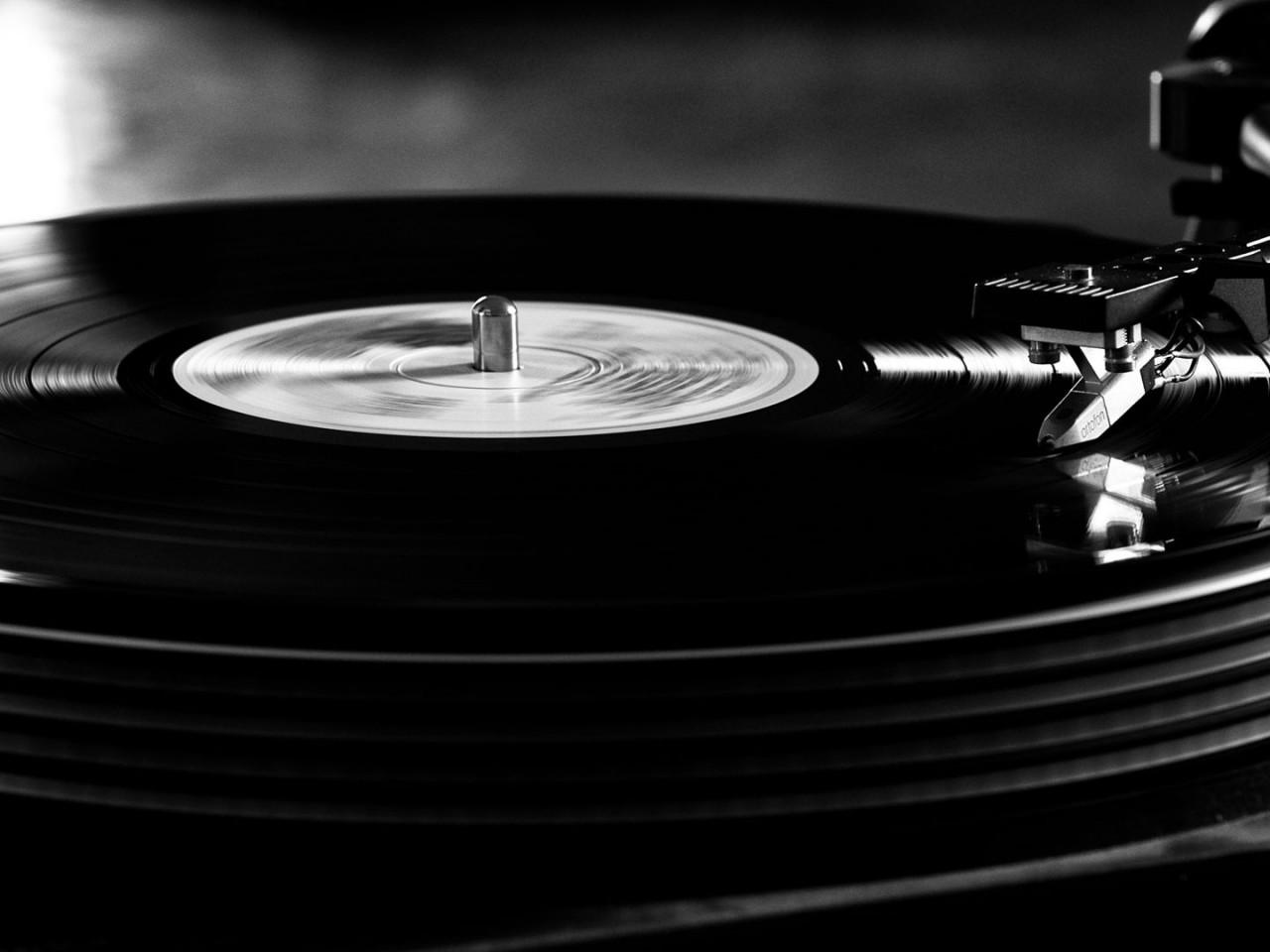 Vintage Vinyl Record Player Wallpaper Hd Wallpapers