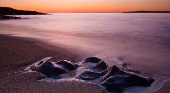 Lonely-beach-Windows-7-wallpaper